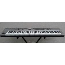 Controlador Roland A-37 Midi keyboard c/ Estojo, Fonte e Cabo Midi (PROMOÇÃO)